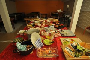 Juleforberedelser med fellesmiddag